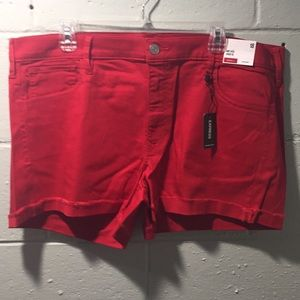 NWT mid rise shortie